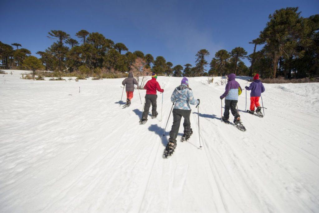 ëriodistas esquiando Caviahue
